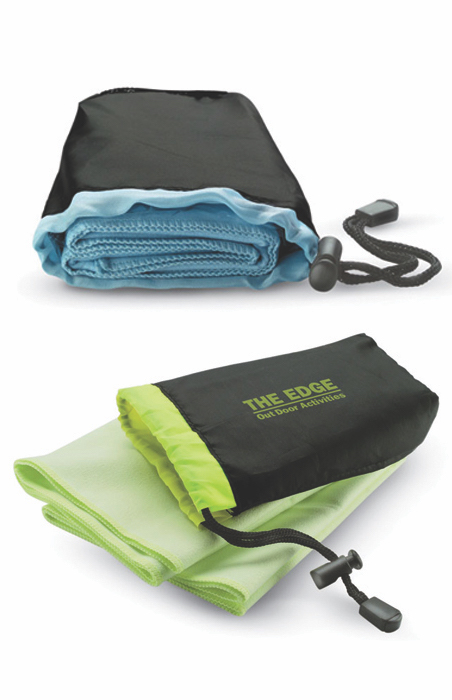 45. Drye Sports Towel In Pouch